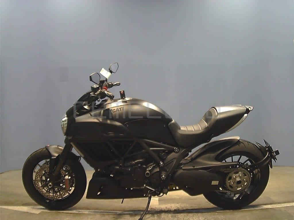 Ducati Diavel Dark 2014 (4637km) (2)