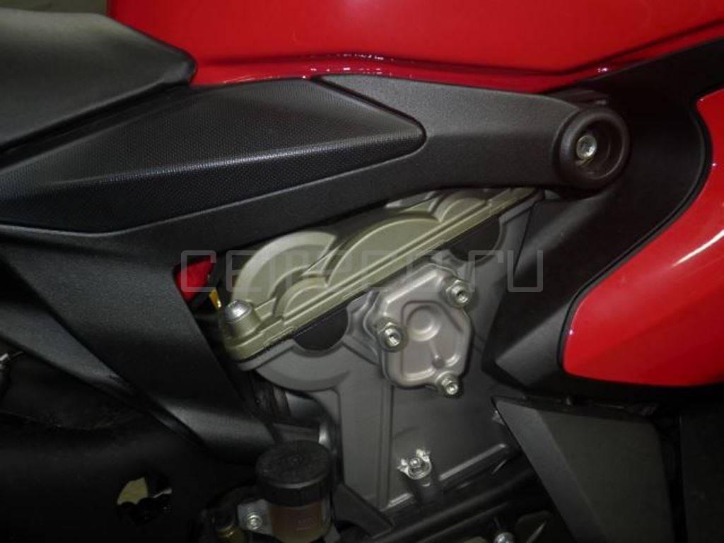 Ducati 1199 Panigale S (3070км) (8)
