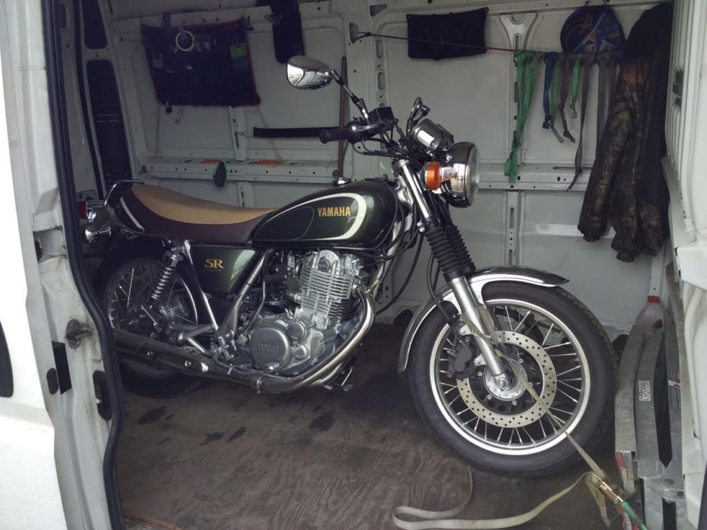 Отзыв: Артем — Yamaha SR400-4FI