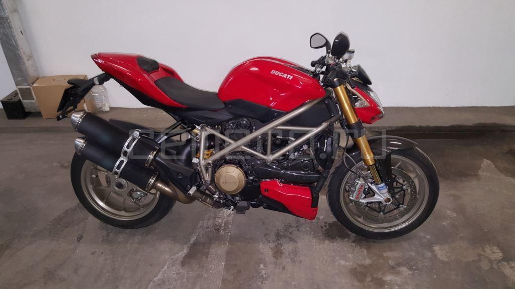 Ducati StreetFighter S (9)