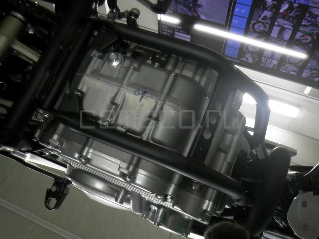 Yamaha SEROW 250-2 10 (7)