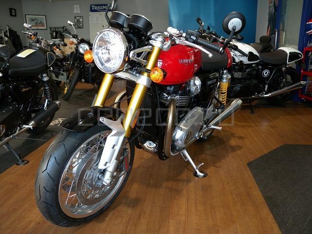 Triumph Thruxton 1200 R (3)