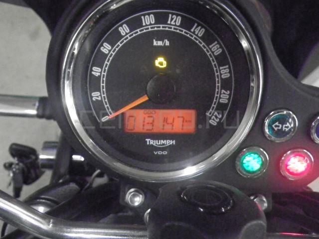 Triumph BONNEVILLE 13147 (25)