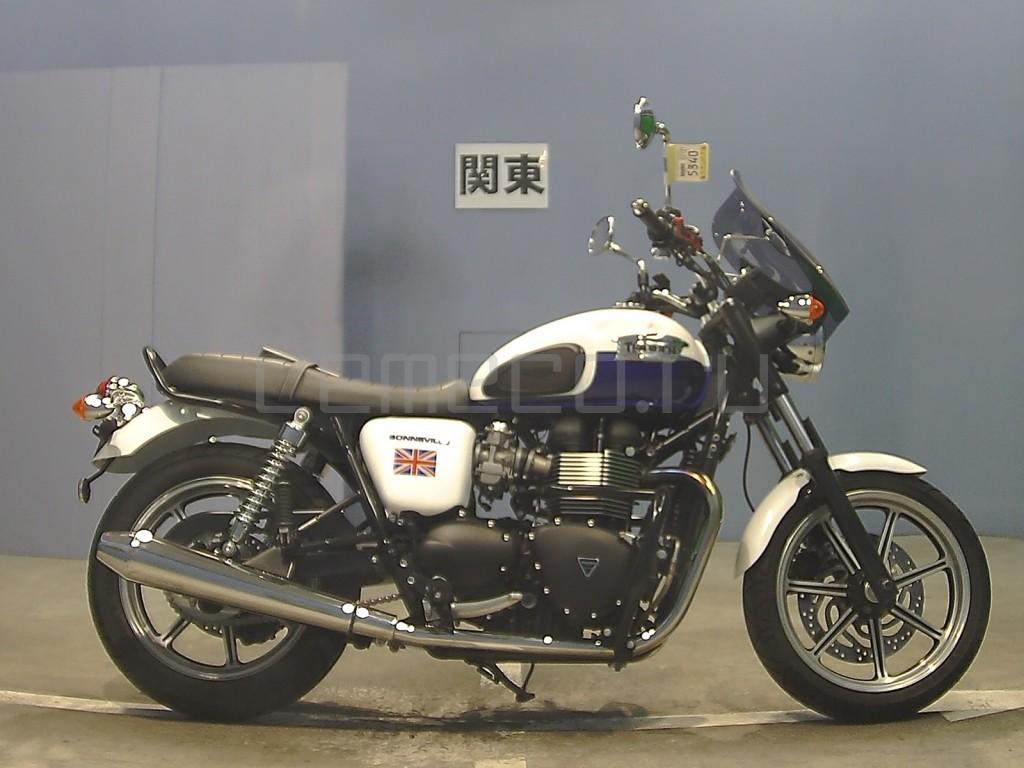 Triumph BONNEVILLE 13147 (3)