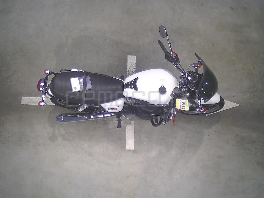Triumph BONNEVILLE 13147 (4)