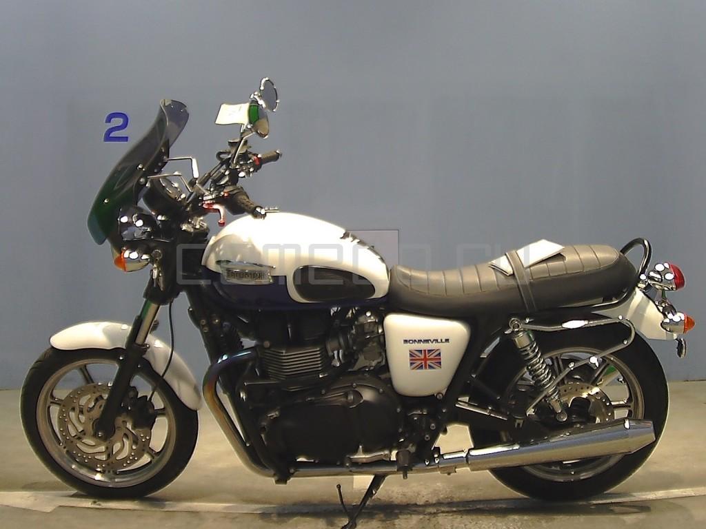 Triumph BONNEVILLE 13147 (7)
