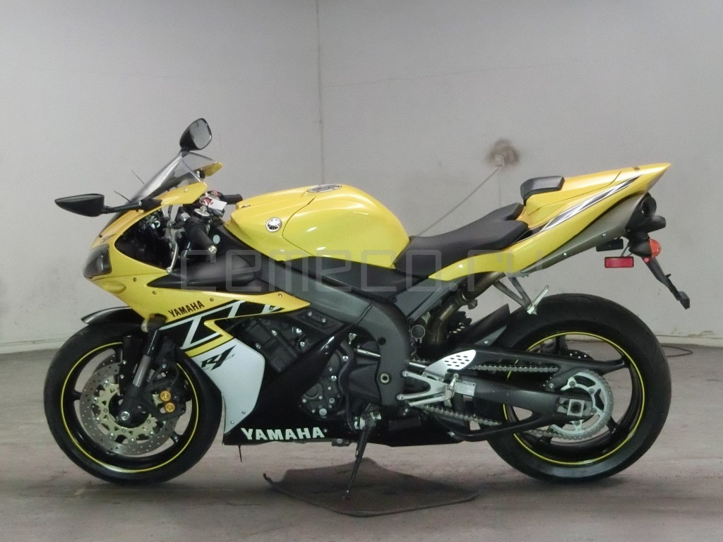 Yamaha YZF-R1 12467 (3)