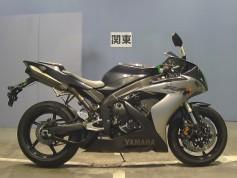 Yamaha YZF-R1 26895 (3)