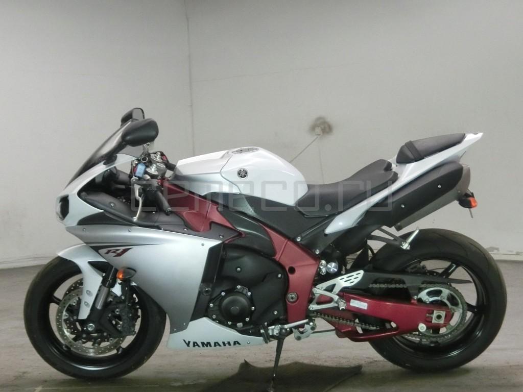 Yamaha YZF-R1 9437 (3)