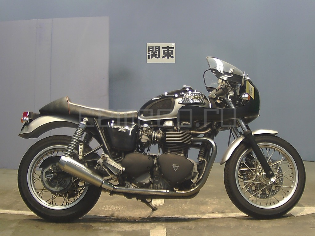 Triumph THRUXTON 25662 (3)