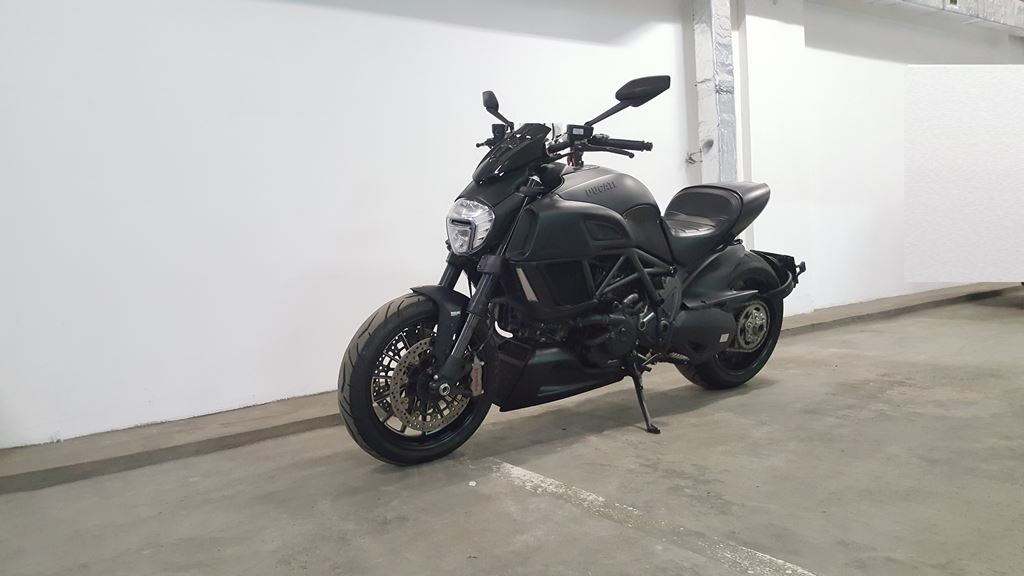 Ducati Diavel Dark 2014 (3)