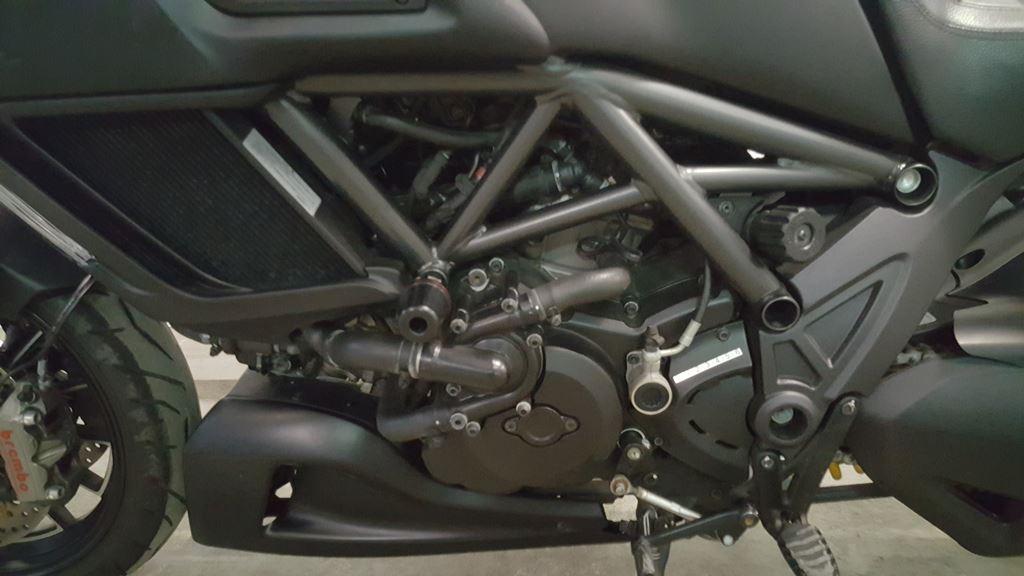 Ducati Diavel Dark 2014 (6)