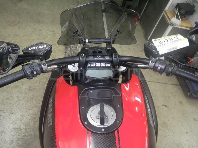 Ducati DIAVEL CARBON 8601 (14)