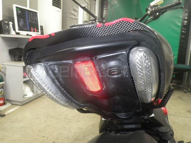 Ducati DIAVEL CARBON 8601 (27)