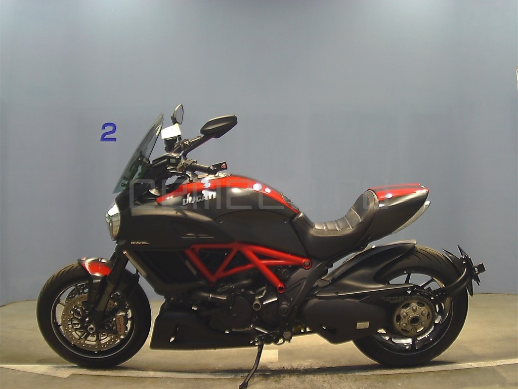 Ducati DIAVEL CARBON 8601 (7)